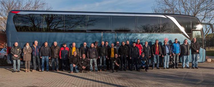 24 Busfahrer begleiteten den BUSFahrer-Supertest und kommentierten die neue TopClass-Baureihe.
