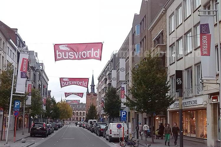 Die Stadt Kortrijk begrüßt die Gäste der Busworld auch im Herzen der Stadt.