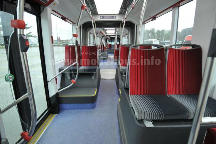 Eine komfortable Ausstattung mit Wi Fi und Informationsdisplays soll neue Fahrgäste locken.