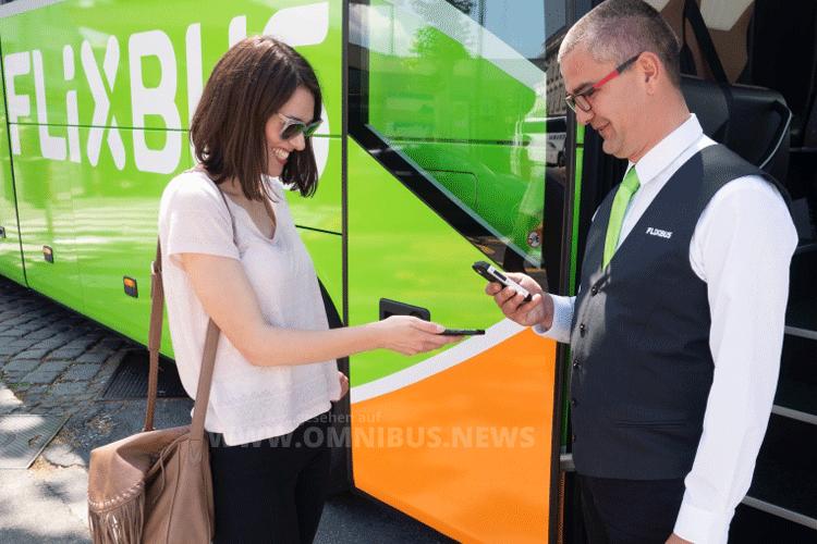 Neu bei FlixBus: Eine App, die das Buchen und Einchecken noch bequemer macht. Und auch Verspätungen werden dem Fahrgast übermittelt. Foto: FlixBus