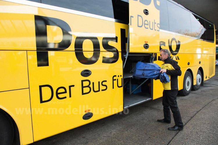 Zwischen Hamburg und Berlin nimmt der Postbus jetzt auch Pakete mit.