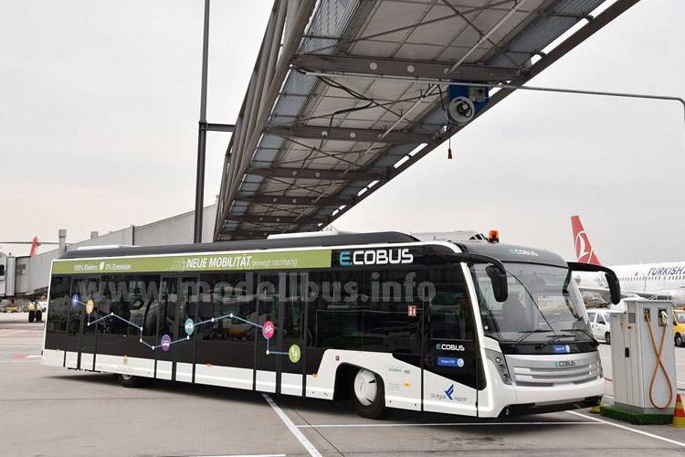 Der erste Elektro-Vorfeldbus weltweit fährt auf dem Stuttgarter Flughafen.