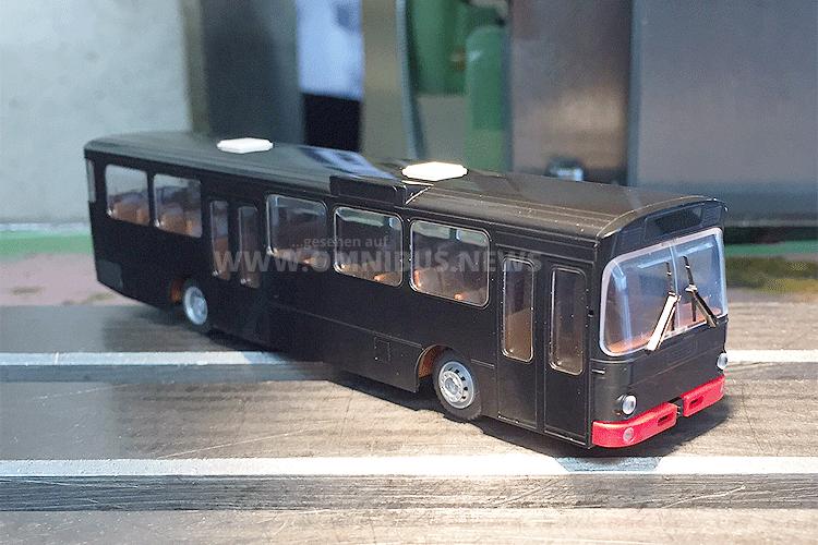 Erstes Ergebnis aus der neuen Form: Der MB O 305 von Rietze. Foto: Rietze