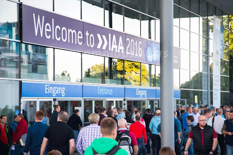 Gut besucht ist die IAA 2016, wie der VDA mitteilt. Foto: VDA