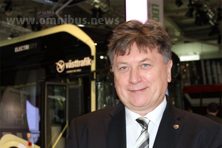Thomas Hartmann, Deutschlandchef von Volvo Bus, bietet schon serienreife Elektrobusse an. Foto: Schreiber