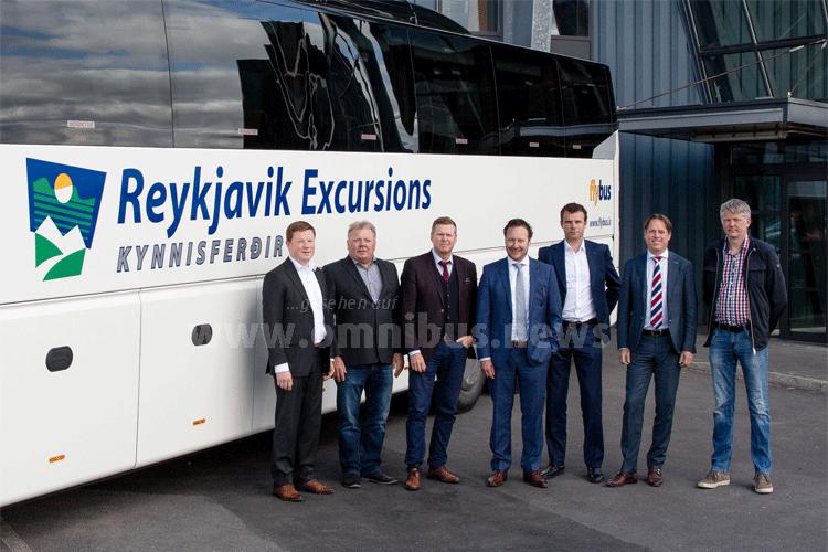 Maurice in 't Groen (Area Sales Manager VDL Bus & Coach), Úlfar Þór Marinósson (Operation Manager Kynnisferdir), Kristján Daníelsson (Managing Director Kynnisferdir), Rémi Henkemans (Managing Director VDL Bus & Coach), Hans Akkermans (Commercial Project Manager VDL Bus & Coach), Marcel Jacobs (Commercial Director VDL Bus & Coach) and Sveinn Matthíasson (Fleet Manager Kynnisferdir). Foto: VDL / Helga Laufey Guðmundsdóttir