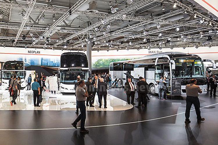 Gut besucht: Der IAA-Messestand von MAN, hier ein Blick auf die Reisebusse der MArke Neoplan. Foto: MAN