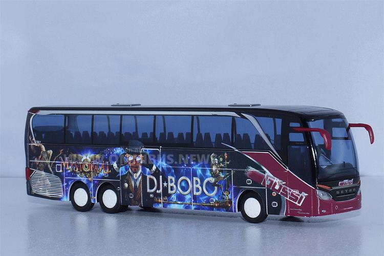 AWM hat den DJ Bobo-Tourbus im Maßstab 1/87 aufgelegt. Foto: Schreiber