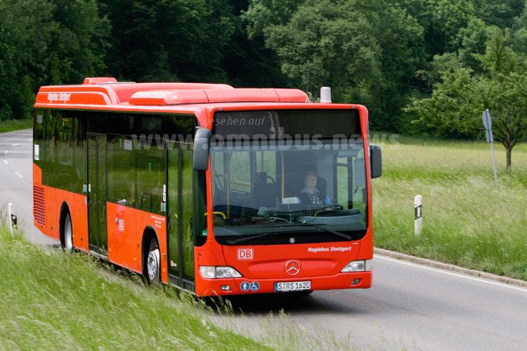 Ganz schnell zu Bahn: Neue Schnellbuslinien in Niedersachsen sollen es möglich machen. Foto: Deutsche Bahn / Braum