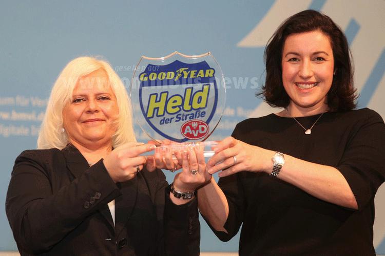 Held der Straße 2016 Marzena Szojda und Staatssekretärin Dorothee Bär. Foto: Goodyear