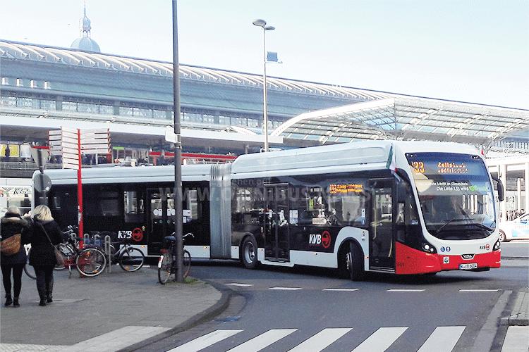 Seit Anfang Dezember voll elektrisch: Die Buslinie 133 in Köln. Foto: VDL