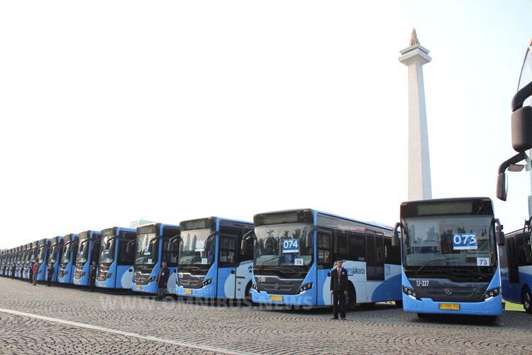 Übergabe von rund 100 Einheiten an den Gouverneur von Jakarta als Teil des Auftrages in einer feierlichen Zeremonie Ende 2016