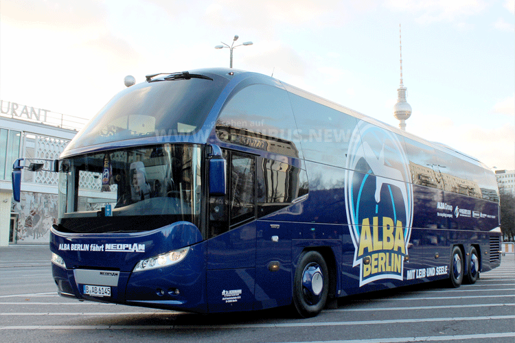 Alba Berlin Mannschaftsbus