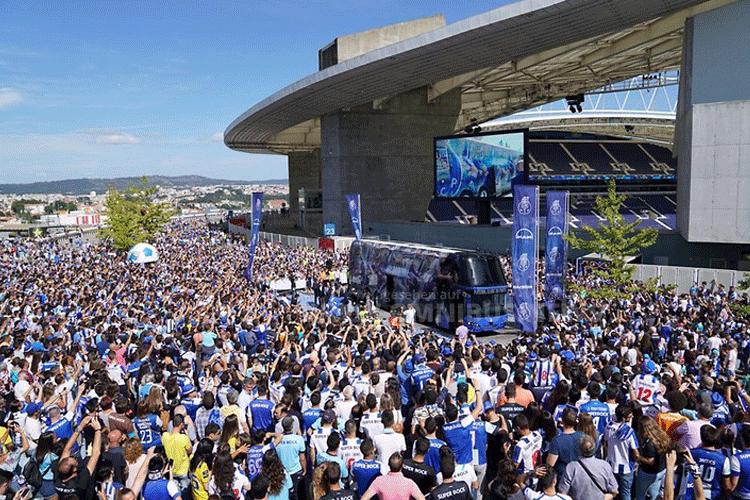 Skyliner für FC Porto
