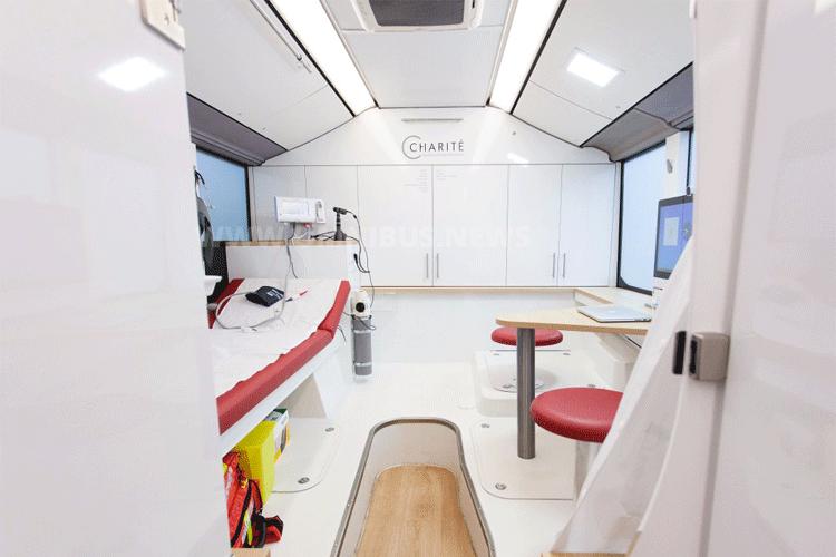 Zahnarzt-Bus