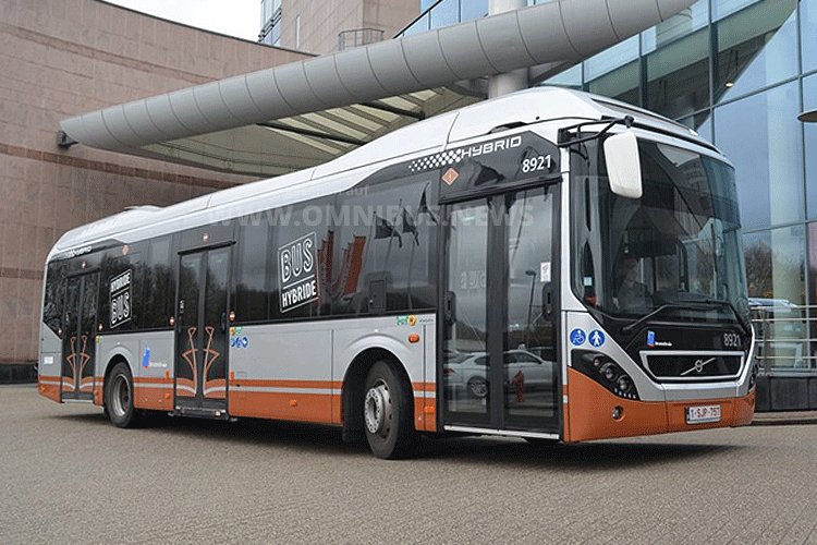 90 Hybridbusse