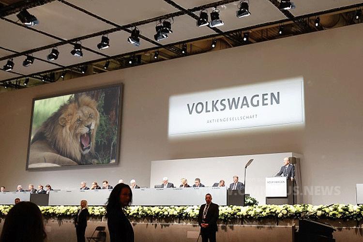 Der Löwe brüllt