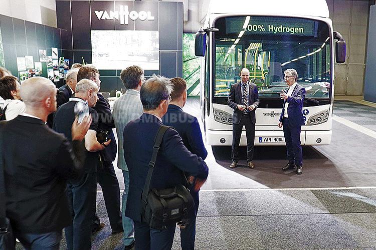 30 H2-Busse für Köln