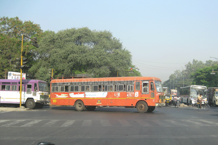 KfW & indische E-Busse