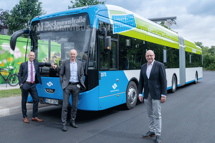 E-Gelenkbus-Premiere