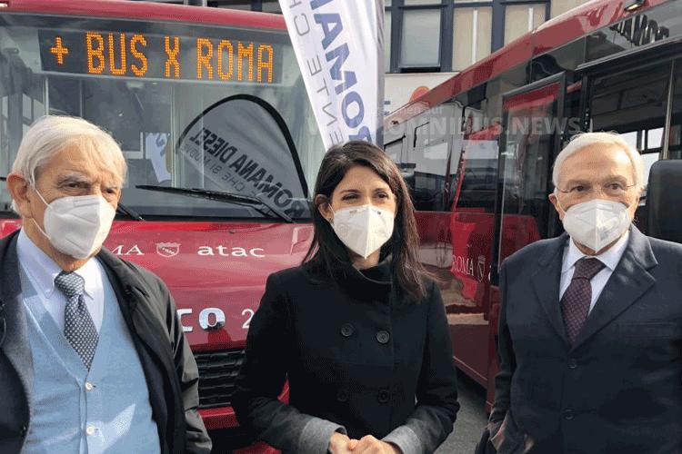 Midi-Busse für Rom