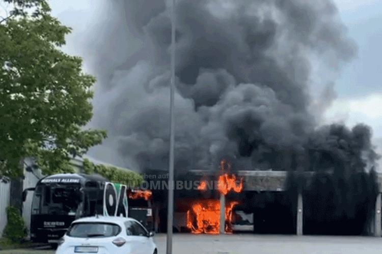 Feuer im Bus-Depot